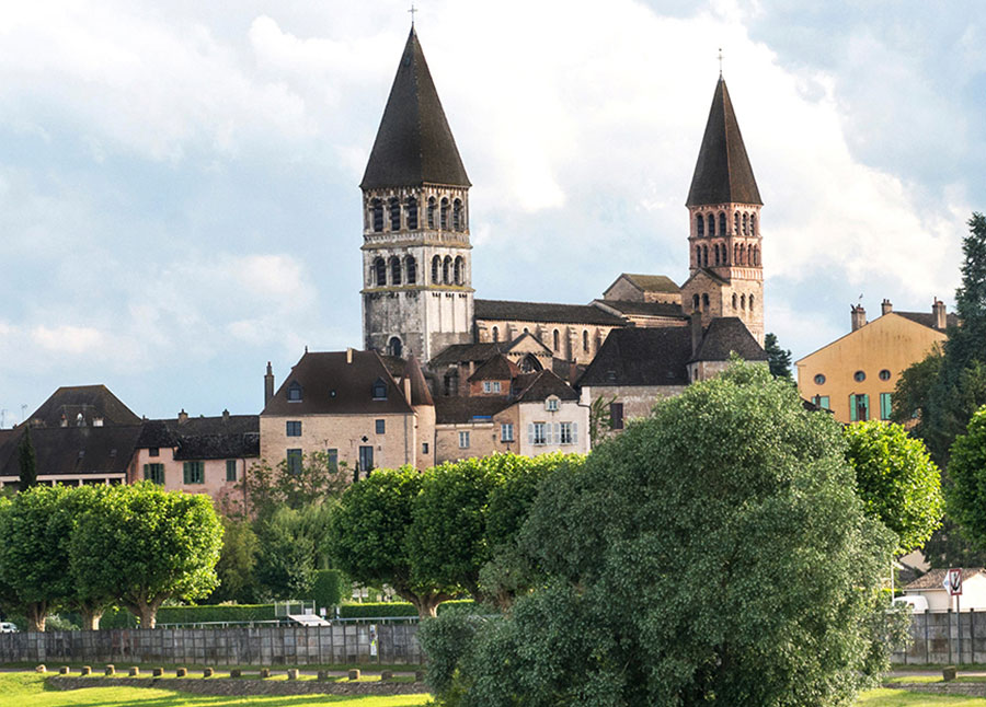 Essence Of Burgundy & Provence 2021